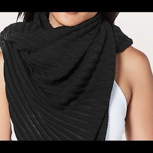 Lululemon Rejuvenate Scarf Black NWT